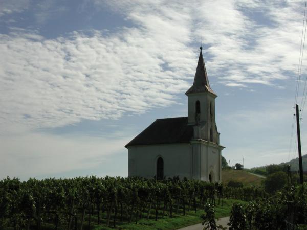Kirche in den Weinbergen